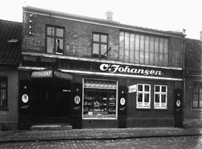 Olga Johansens forretning i Vestergade, omkr. 1960 - klik for større billede