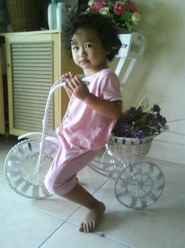 Ariana Bday 05/08