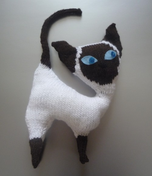 Knitting Jobs Nz : Knit for victory knitted siamese kitten