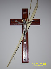 we must hang our crucifixes even on our blogs