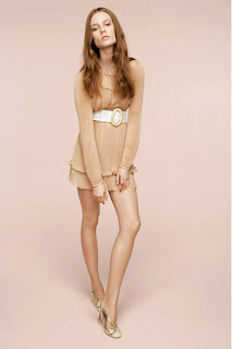 сиво - Облекло, мода, елегантност - Page 2 NINA+RICCI+-+resort+2011+-+4