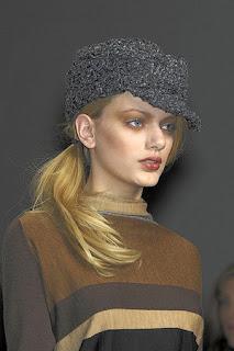 сиво - Облекло, мода, елегантност - Page 2 Lg038