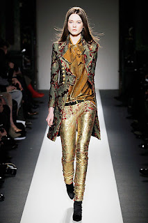 сиво - Облекло, мода, елегантност - Page 2 782321d33958ubalmainw600h600