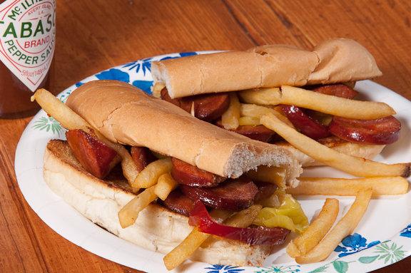 http://4.bp.blogspot.com/_uj67IzndTCI/TKzegnHTtyI/AAAAAAAAAvA/ATgYHOF1EE0/s1600/recipe-for-chourico-and-chip-sandwich-french-fries-krauzyk-2010.jpg