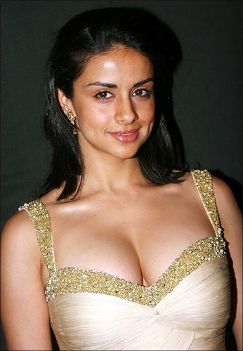 gulpanag boobs