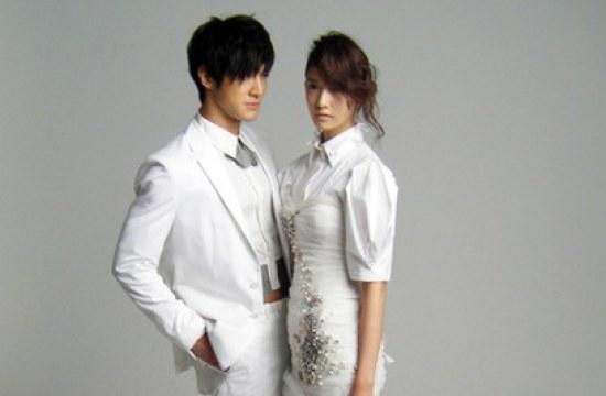Yoona Kiss Siwon Choi Siwon And Yoona Choi