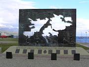 El pasado viernes 2 de abril se recordó el 28° aniversario de la Gesta de . monumento malvinas ushuaia