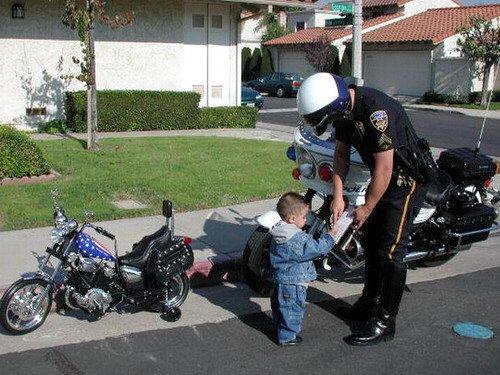 Pero sin embargo a ese niño lo ven intentando robar una moto y que ...