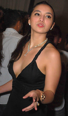 manohara hot party