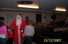 Joulupukkipalvelumme hoitaa niin isot kuin pienetkin juhlat pukkimaisella varmuudella