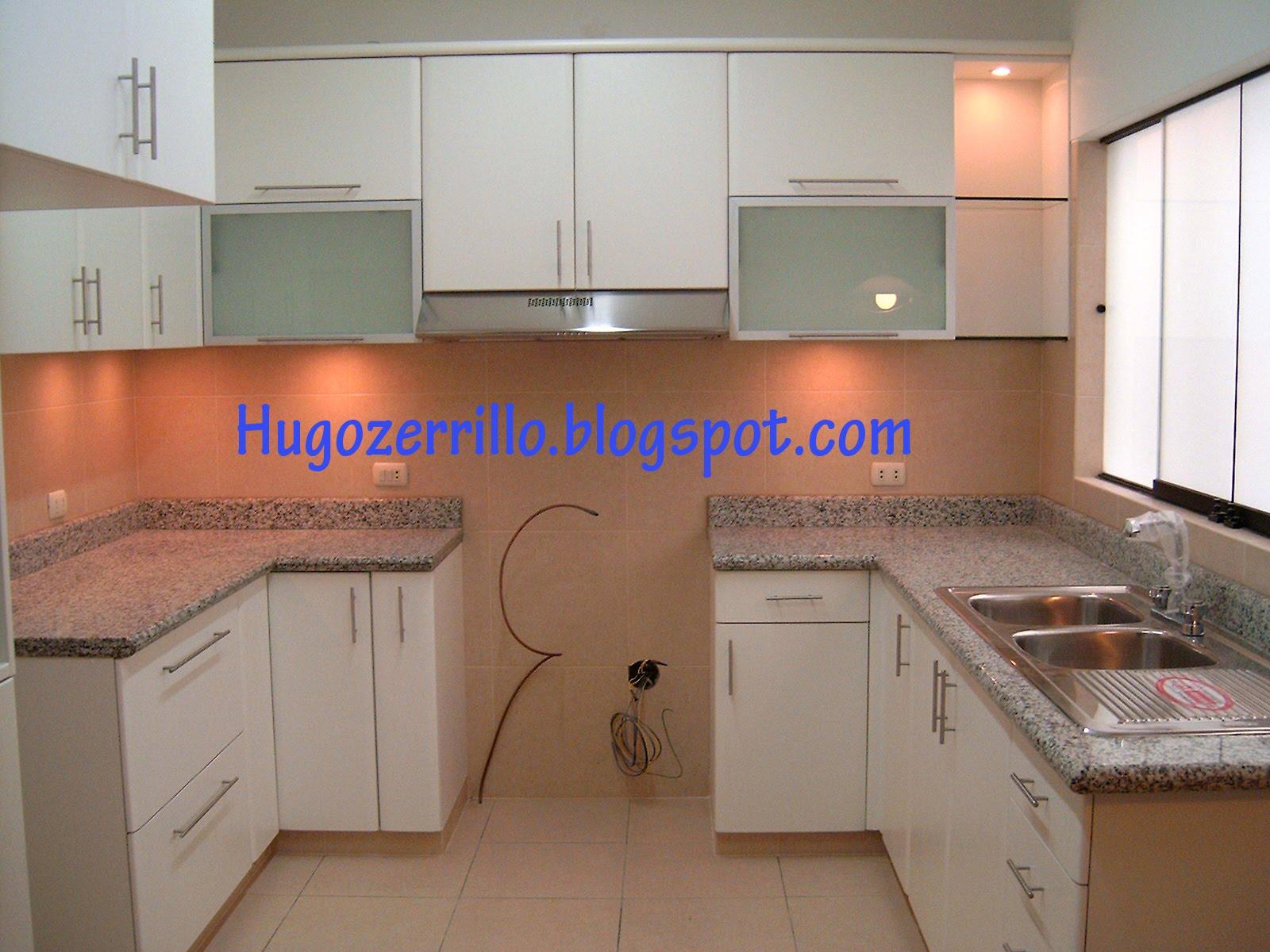 Mobile ad agolo bagno for Modelos de muebles de cocina altos y bajos