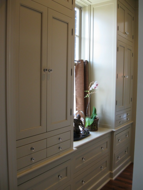 First a dream southern living idea house master suite for Southern closets