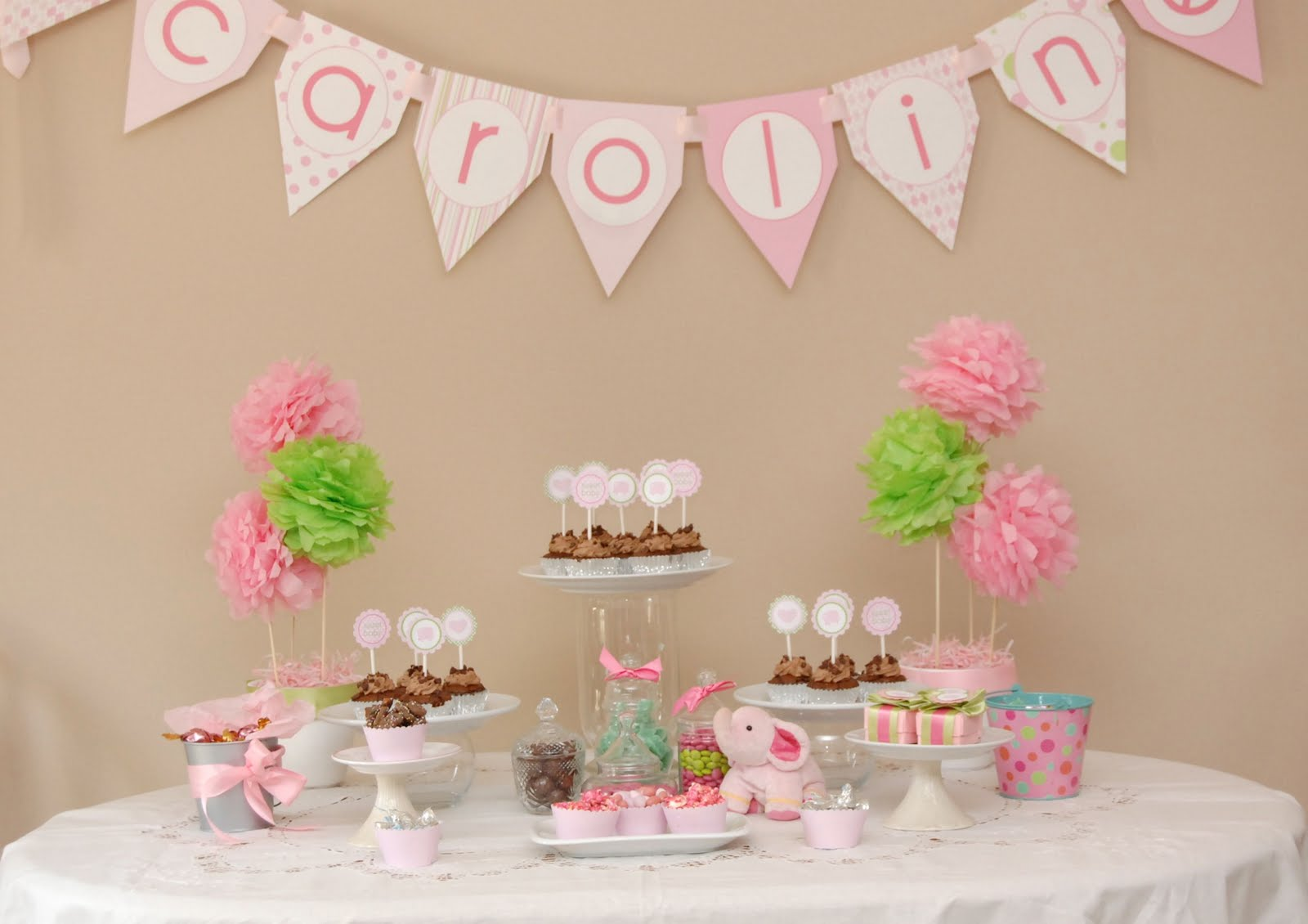 Pink baby shower party favors ideas for Baby girl shower decoration ideas