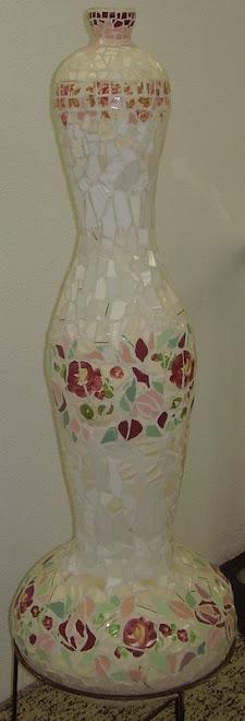 totem frasco de rosas