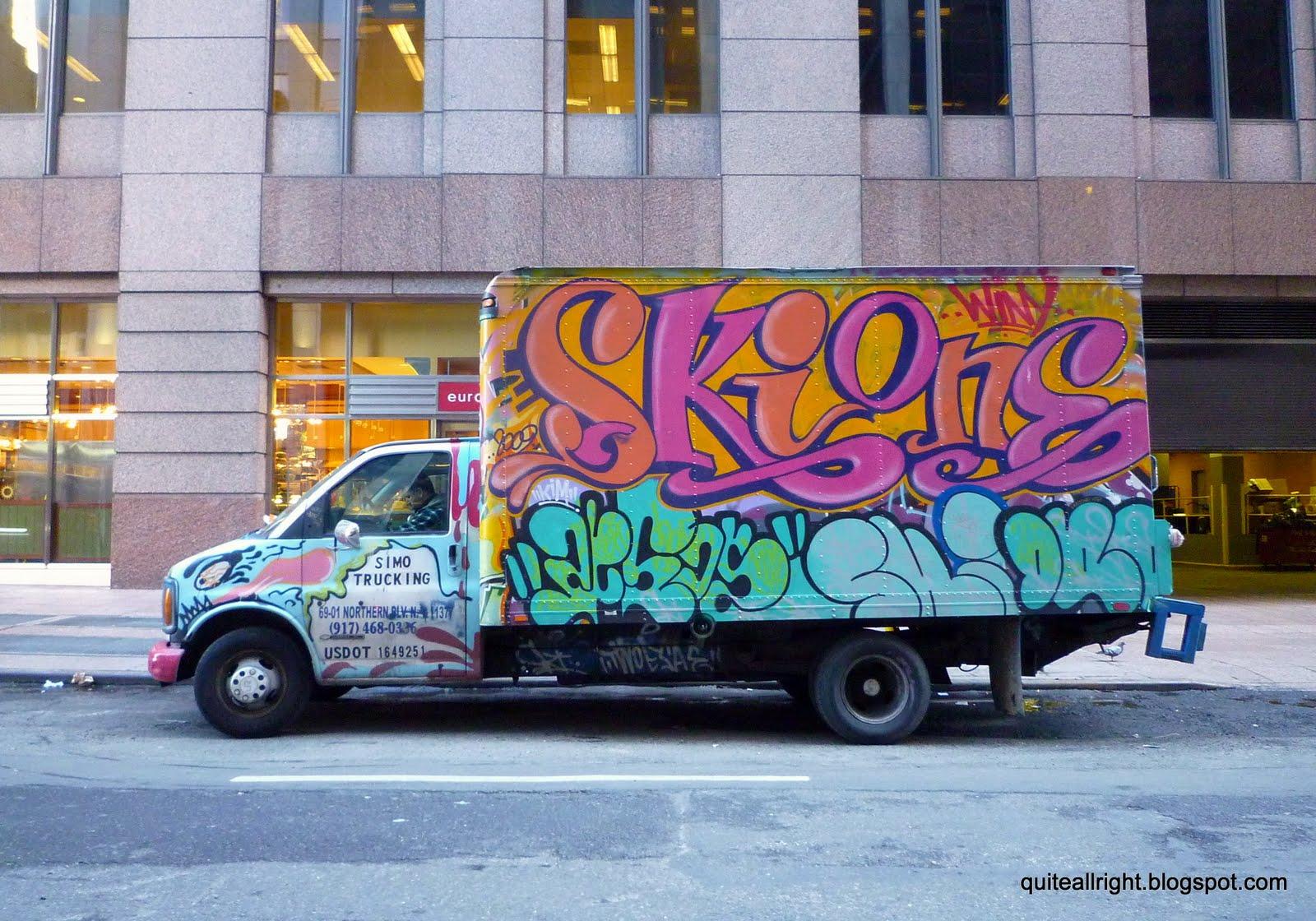 http://4.bp.blogspot.com/_urwVlrQqWC0/S4xWJeYU_jI/AAAAAAAACKU/ptlLY2UAJdg/s1600/Barbra+Streisand%27s+Graffiti+Truck.jpg.JPG