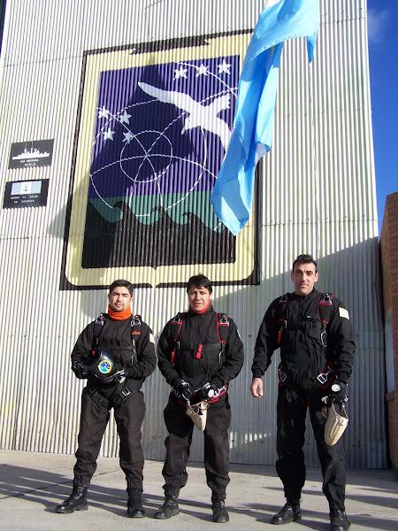 Paracaidistas del CIFA (Centro de Adiestramiento de la Fuerza Aeronaval N° 2)
