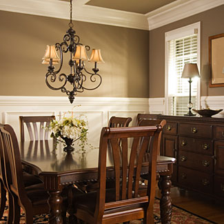 Joyous moments dining room decor for Dining room decorating ideas with chair rail