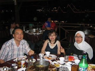 Steamboat Dinner at Kg Nelayan, Bukit Padang.....