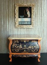 Lacquered comode with chinese motifs and Oil Painting