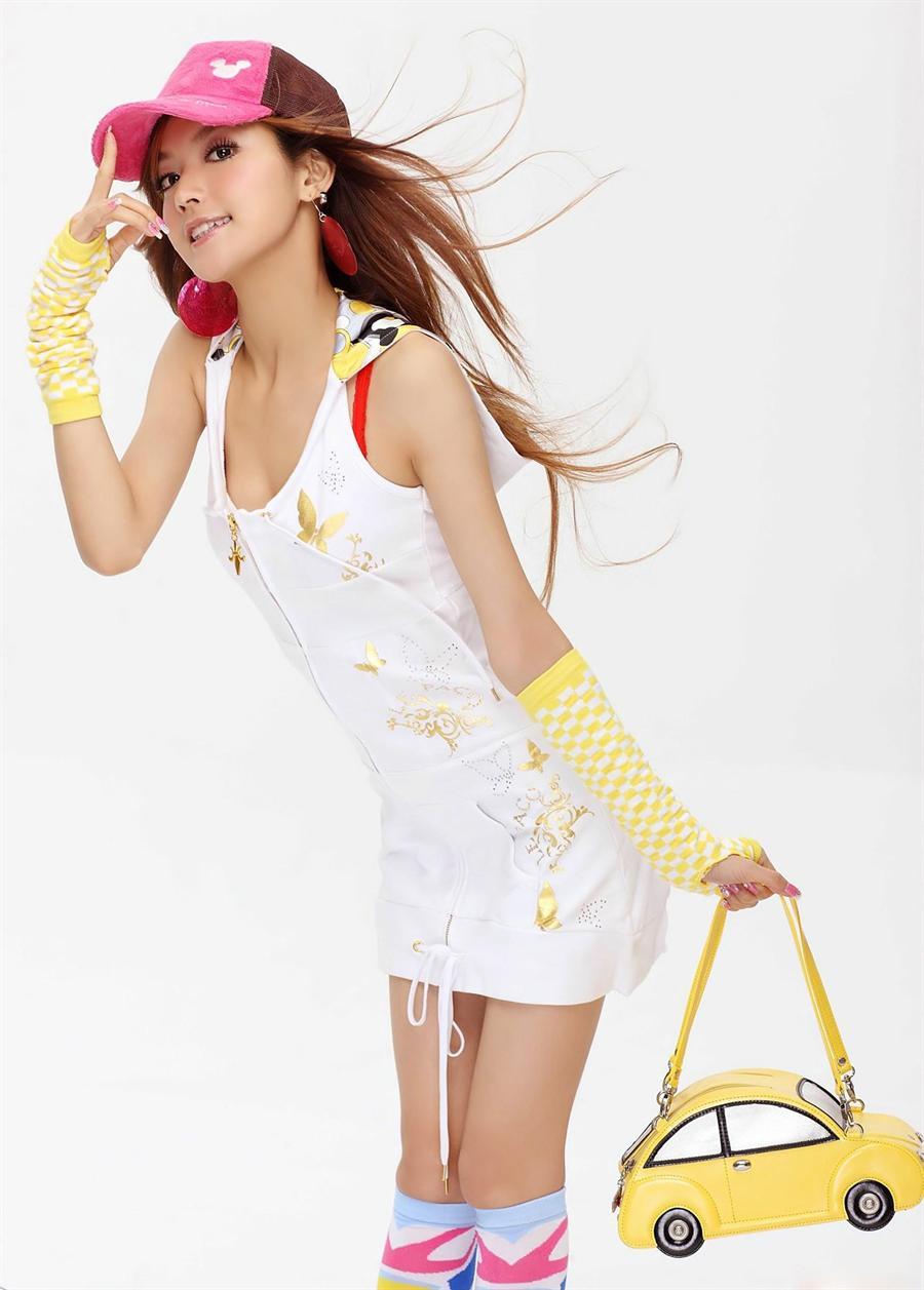 http://4.bp.blogspot.com/_uxK9p1iezm4/TF1D7FQAjxI/AAAAAAAAGTU/t3Te8pYkvx8/s1600/Ye-Xiqi-chinese-singer-2.jpg