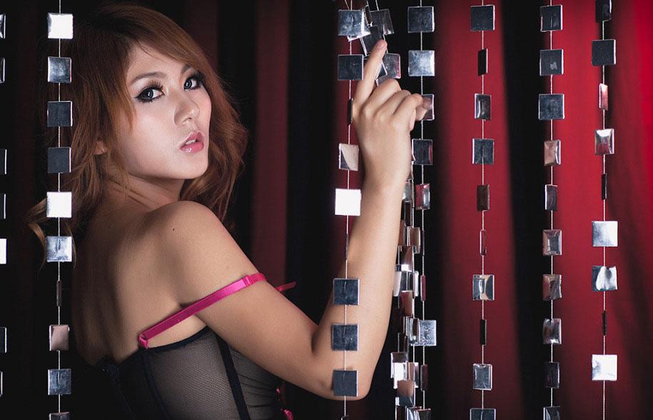 http://4.bp.blogspot.com/_uxK9p1iezm4/TFQs18xSQKI/AAAAAAAAF0g/fRyH3eoUI3E/s1600/Moko-Girl-Zhou-Wei-7.jpg