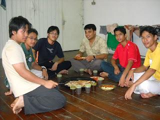 إخواني في جامعة إسلاميَّة فترا