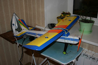 самодельная авиамодель из потолочной плитки Цессна