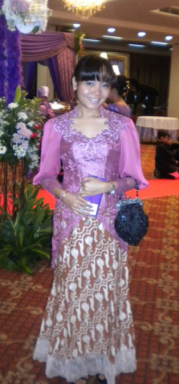 Time To Dress Up Kebaya Lengan Balon