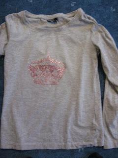 http://4.bp.blogspot.com/_uzIwJlLM6Us/TND4c7He7NI/AAAAAAAABV8/Zy4iRZ56fp8/s320/Shirt.jpg