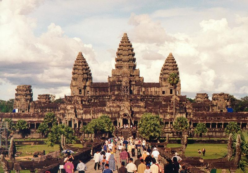 Der_KeenRuNNer: Angkor Wat International Half Marathon 2010 - Cambodia
