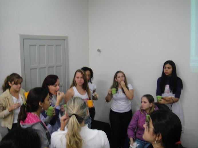 Grupo passa a adotar as canequinhas - questão ambiental