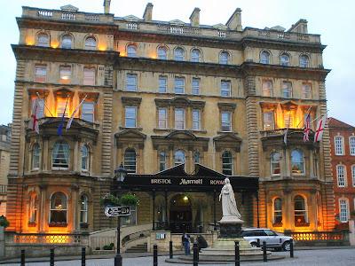 http://4.bp.blogspot.com/_v-3gbtENGj8/SFQPXZNwMYI/AAAAAAAACg0/osvN76cqyOU/s400/Bristol+Marriott+Royal+Hotel.jpg