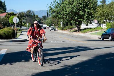 feliz dia de la independencia: fe y la bicicleta