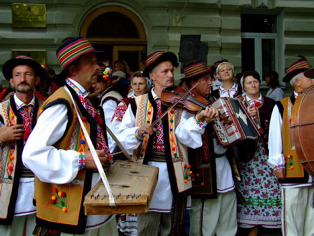 Folk Group of Beatlya village (West Ukraine)