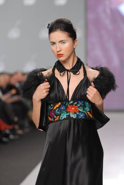 Roksolana Bogutska Ukraine Spring Summer 2008 Embroidery