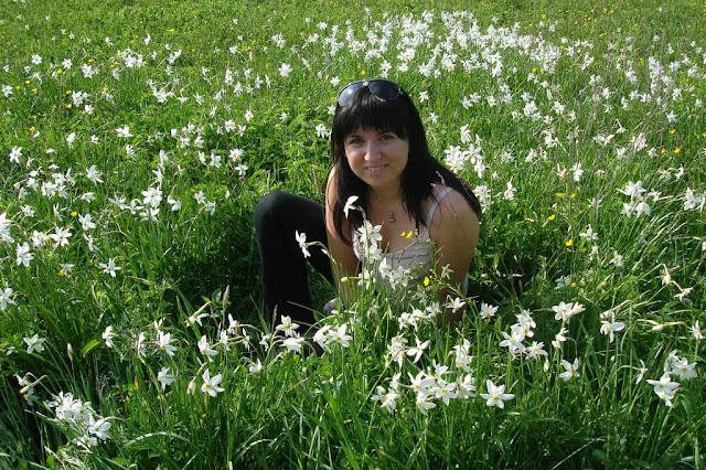 Narcissi Valley Pretty Girl West Ukraine