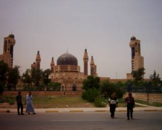 84 Masjid Saddam di Iraq
