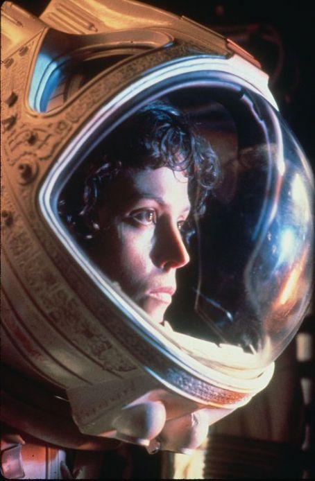 [Candidature] Photos du mois (Janvier 2011) - Page 2 Sigourney+Weaver+Ripley+Alien
