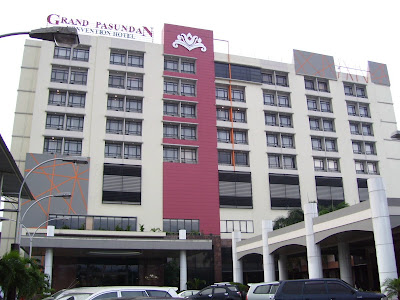 Hotel Grand Pasundan, Sunday morning, Jan. 31, 2010