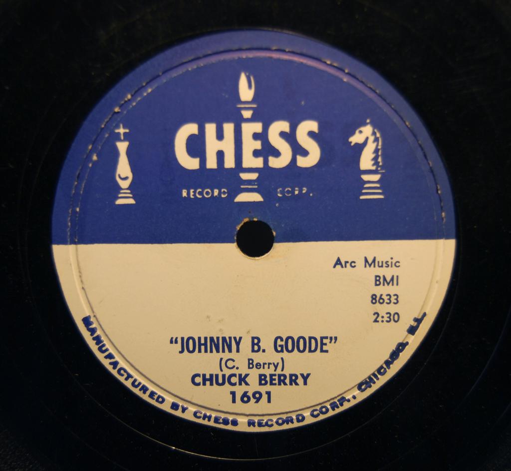 http://4.bp.blogspot.com/_vAxddqDnEyg/TIAL9Qa8GSI/AAAAAAAAEIw/aURPDJrHg4Q/s1600/Chuck%2BBerry%2B-%2BJohnny%2BB.%2BGoode%2B-%2B1958%2B(Chess%2B78).jpg