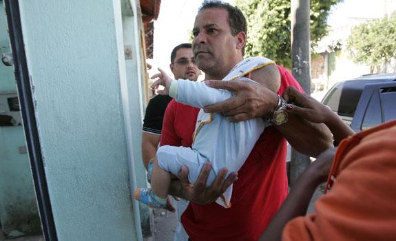 Goleiro bruno do flamengo suspeito de assassinato for Goleiro muralha e esposa