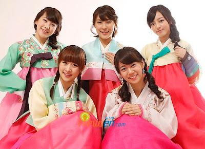hanbok + stars in hanbok (its my bonus^^) Chuseok_kara_hanbok