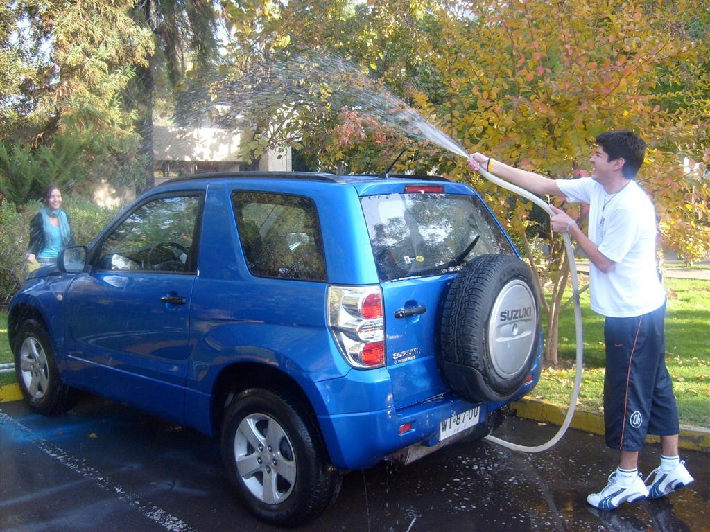 http://4.bp.blogspot.com/_vFRmy4tZx1U/TMS0_9pO_KI/AAAAAAAABlc/eB6LJ_AkrkM/s1600/lavar%20el%20coche.jpg