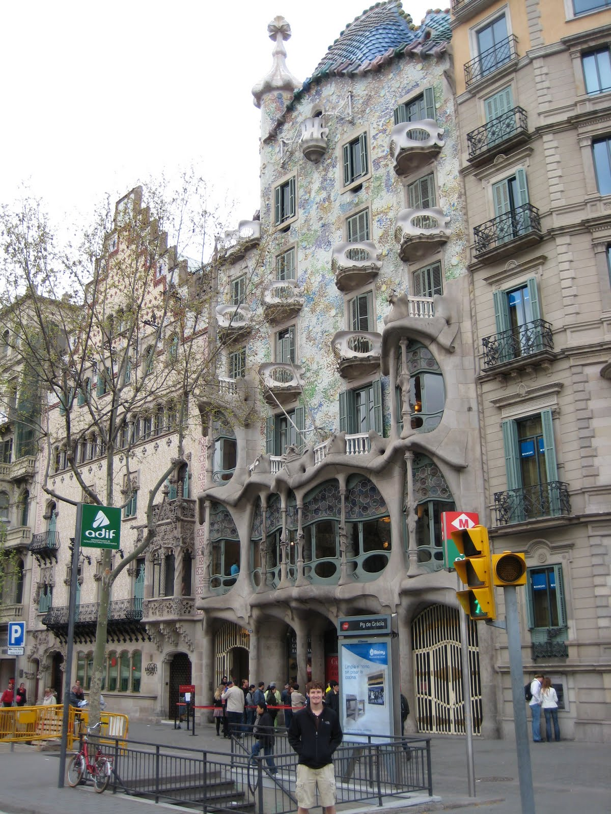 Ben and becca in europe barcelona spain day 1 - Casa luthier barcelona ...