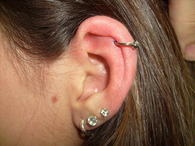 Hélix Piercing (cartilagem) title=