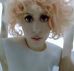 Lady Gaga in the Bad Romance video: Computer, not circle lenses - also not the issue