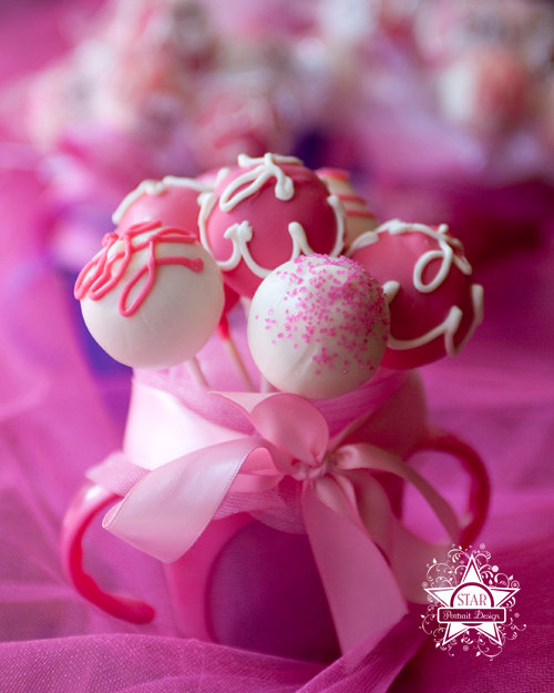 Images Of Pink Cake Pops : ?o??e o? on Pinterest Hot Pink, Raspberries and Pink