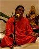 Szwámi Vishwananda énekel