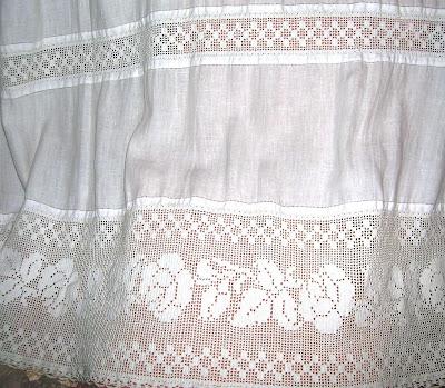 Il filo che crea tenda in lino e filet - Centri uncinetto camera da letto ...