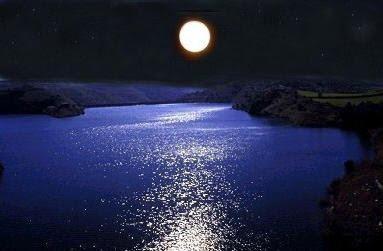 Reflejos de la Luna Llena en el lago... Luna%2520lago